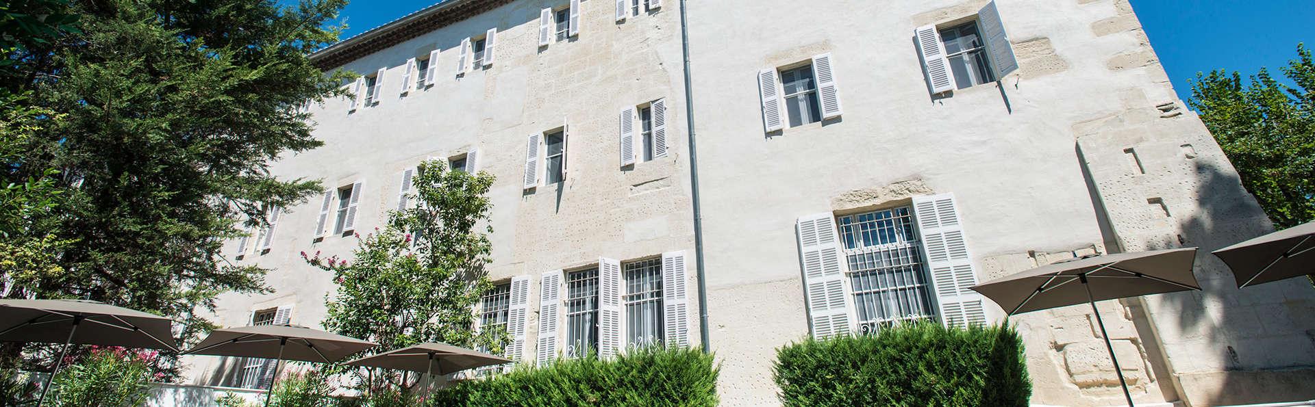 Offre spéciale: Séjour de 2 nuits minimum dans un 5* à Arles !