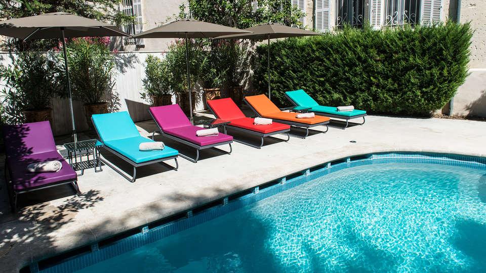 Hôtel & Spa Jules César Arles - MGallery - EDIT_pool.jpg