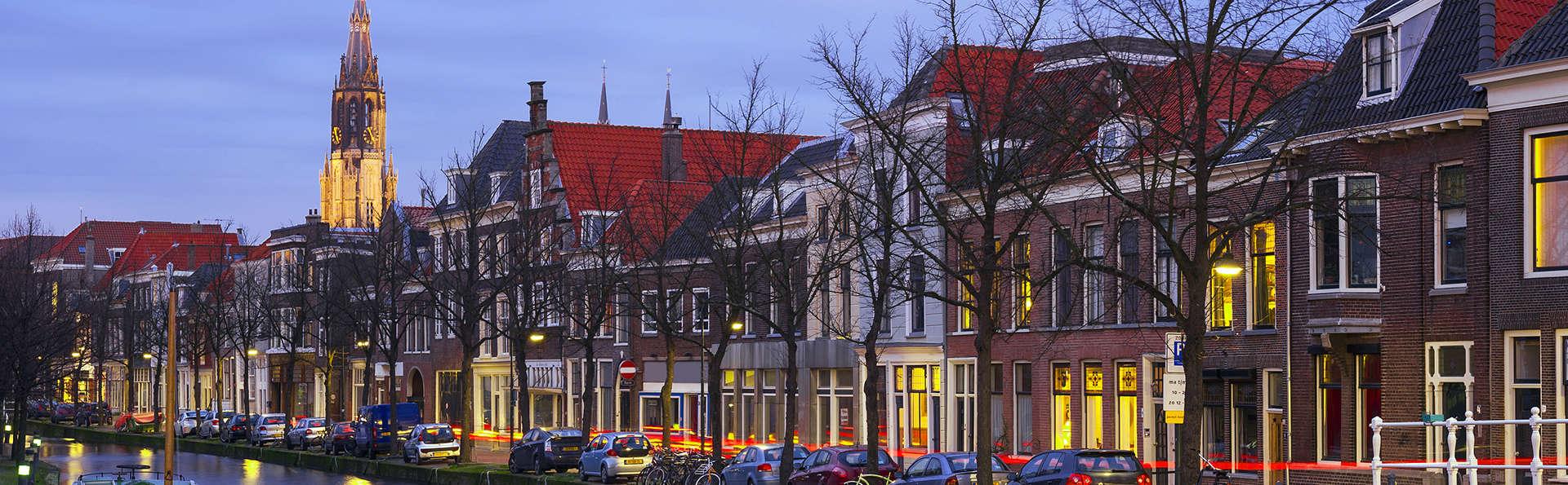 ¡Recorre las calles de Delft y descubre sus misterios en bicicleta!