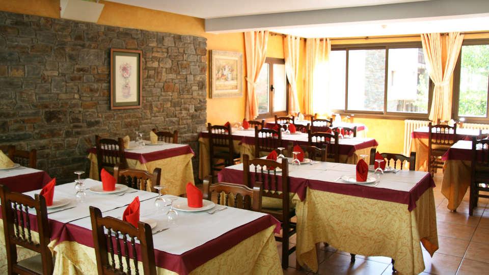 Hotel Sucara - EDIT_restaurant.jpg