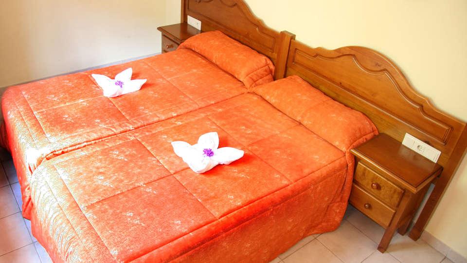 Hotel Sucara - EDIT_room4.jpg