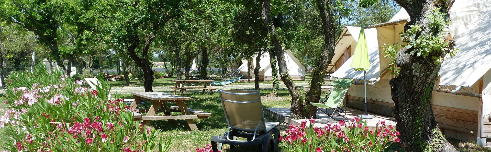 Lodges en Provence - edit_Vue_toiles_et_bois_2.jpg