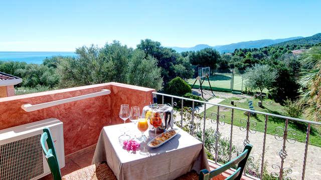 ¡Estancia relax con vistas al mar en Cerdeña en Cala Gonone!