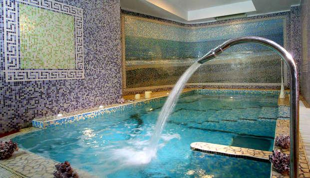 Benessere e relax a Catanzaro Lido: in hotel 4* con cena, SPA e massaggio di 30'
