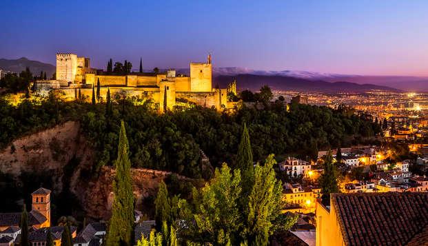 Escapada en Hotel Boutique 3*: con entradas a la Alhambra y sus principales monumentos