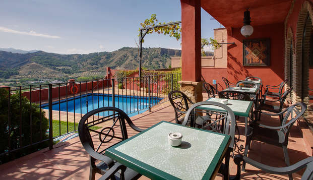 Escapada relajación a las afueras de Granada con increíbles vistas en habitación triple