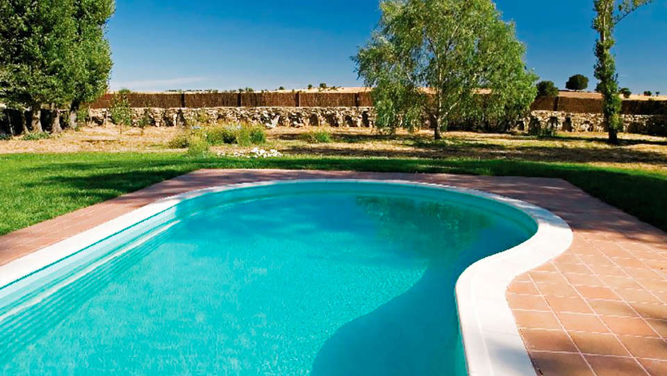 Hotel Balneario Almeida La Dama Verde - EDIT_pool.jpg
