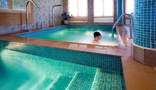 Escapada relax con acceso a la piscina termal y cura hidropínica en un balneario en plena naturaleza