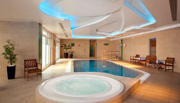 Residhome Paris-Massy - pool jacuzzi