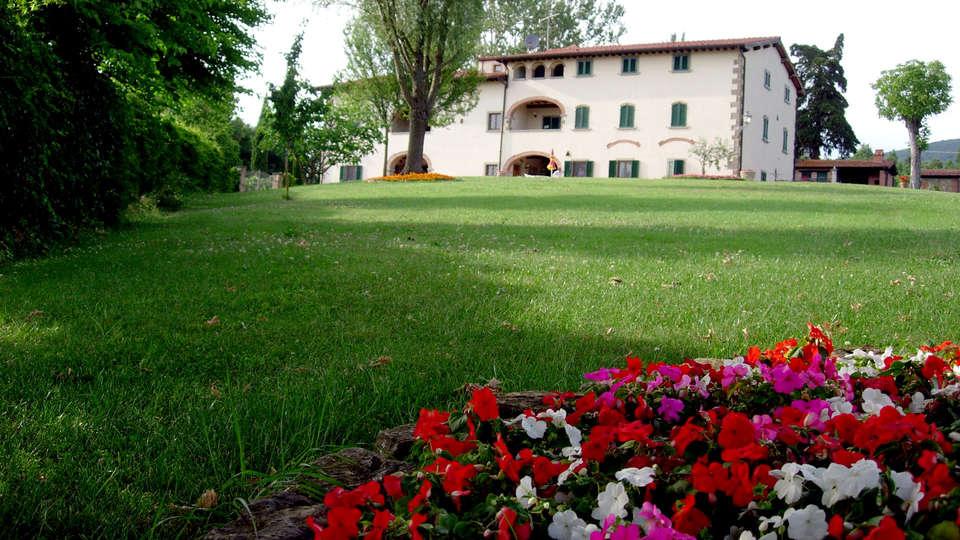Hotel Fattoria Belvedere - Edit_Garden.jpg