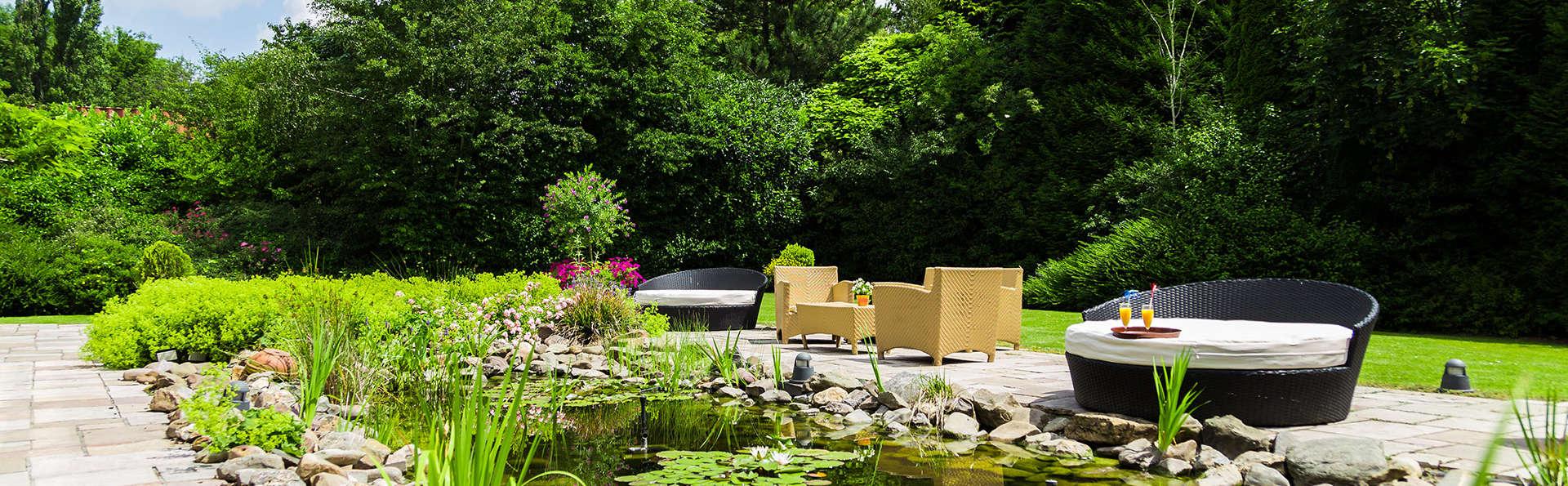 Hotel Schaepkens Van St Fijt - EDIT_garden.jpg