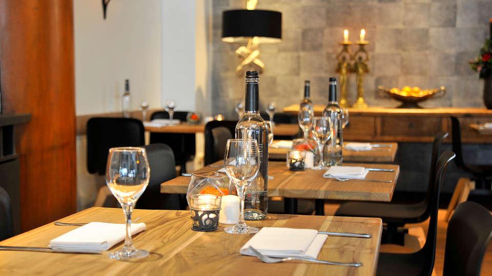 Golden Tulip Keyser Breda - Edit_Restaurant3.jpg