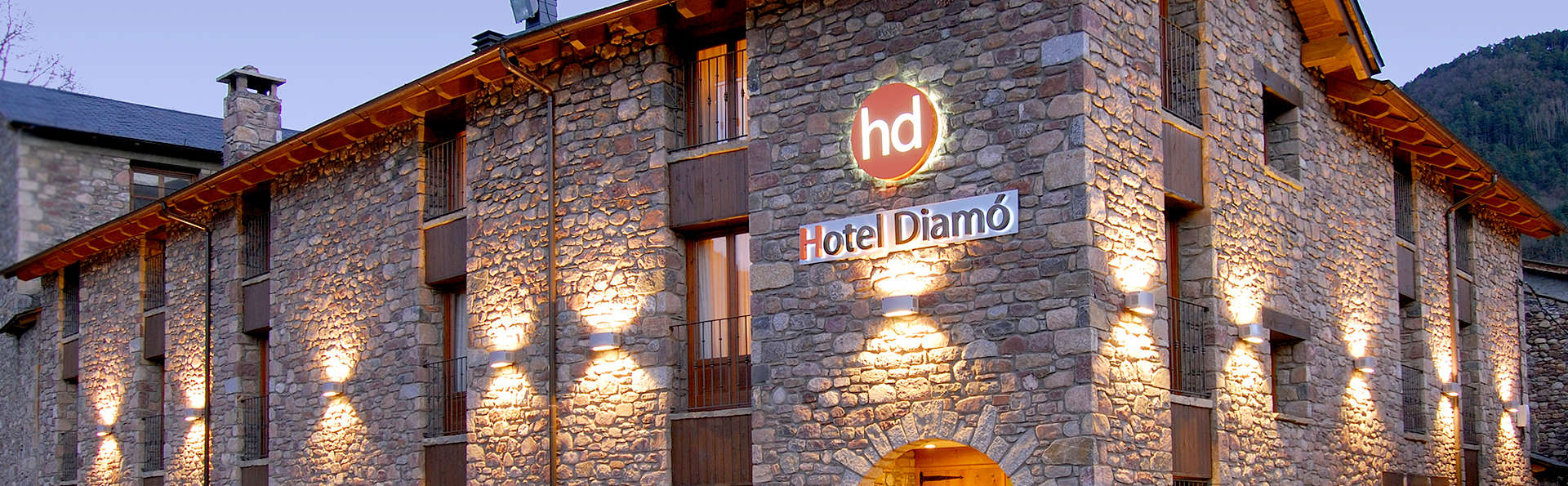 Hotel Diamó - Edit_front2.jpg
