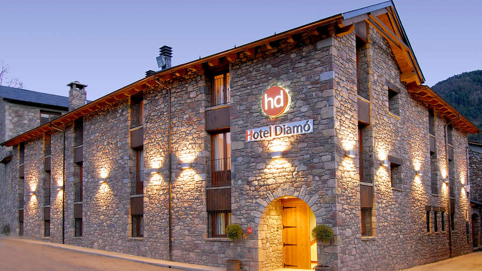 Hotel Diamó - Edit_front2.jpg