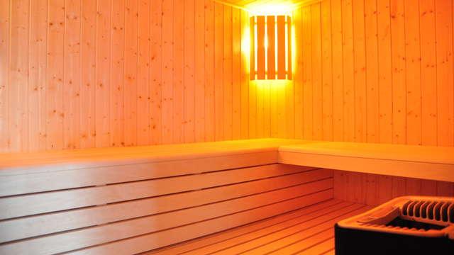 acceso a la sauna para 2 adultos (día 1 y día 2)