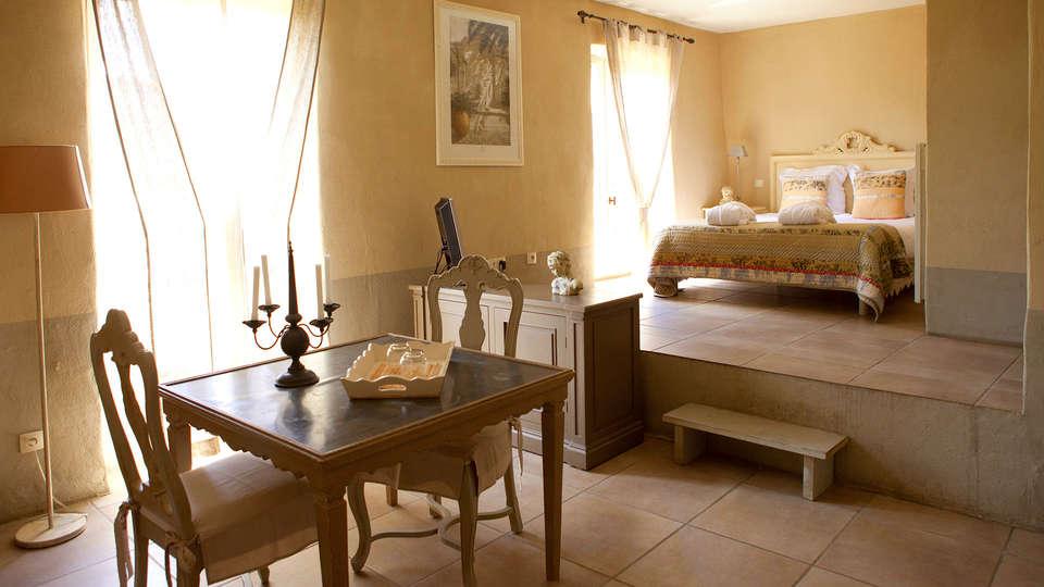 Le Couvent d'Hérépian - EDIT_room1.jpg
