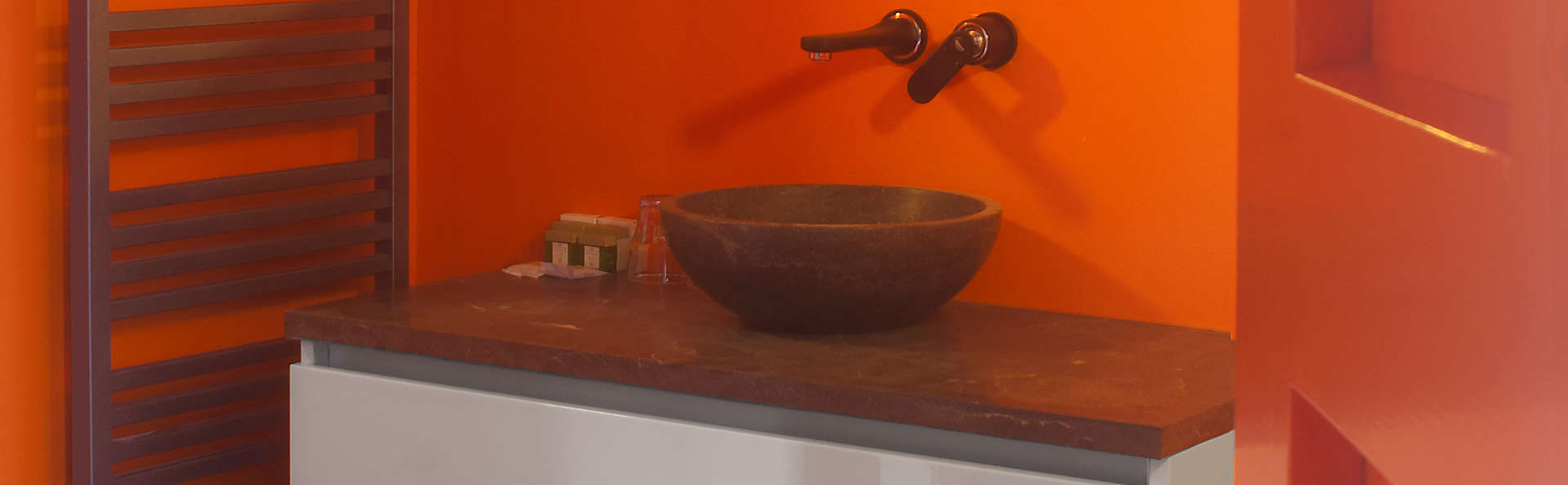 Hotel Restaurant Lunia - edit_bathroom.jpg
