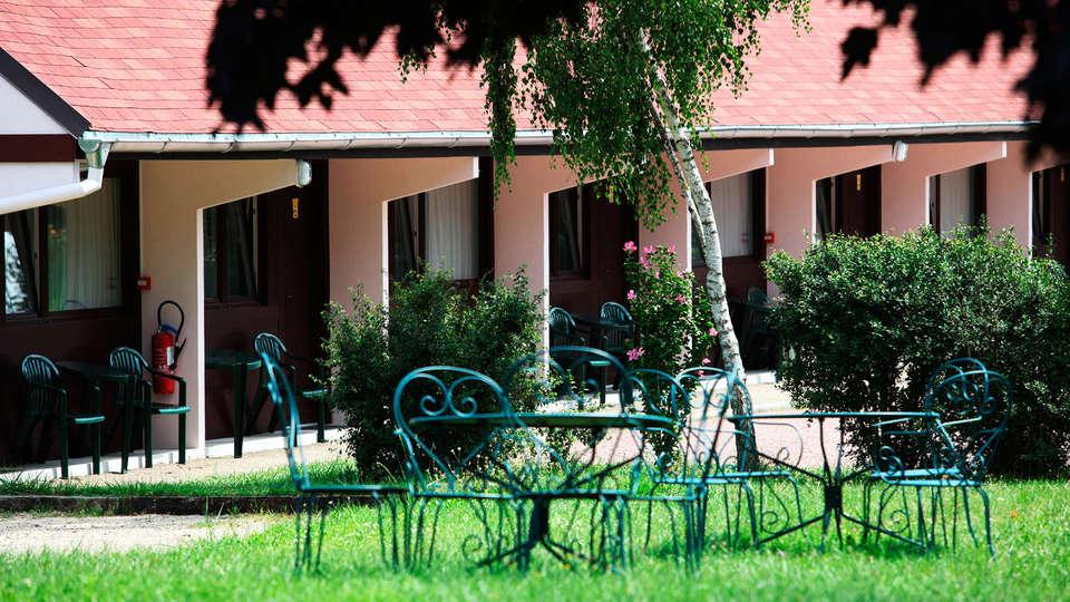 Au Relais d'Alsace - EDIT_garden.jpg