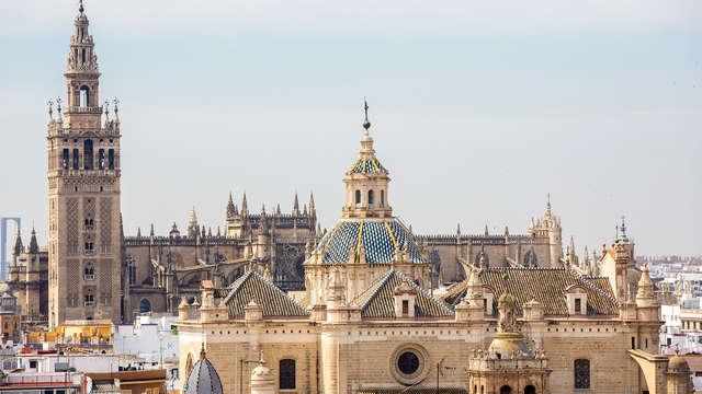 Escapada con visita guiada de la Giralda y la Catedral