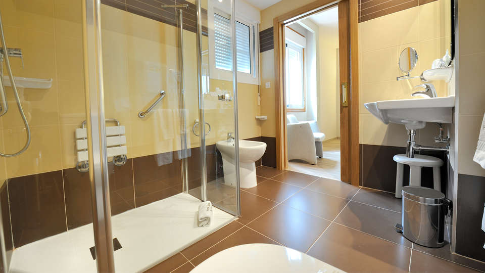 Hotel Spa Norat O Grove 3* Superior - edit_bathroom.jpg