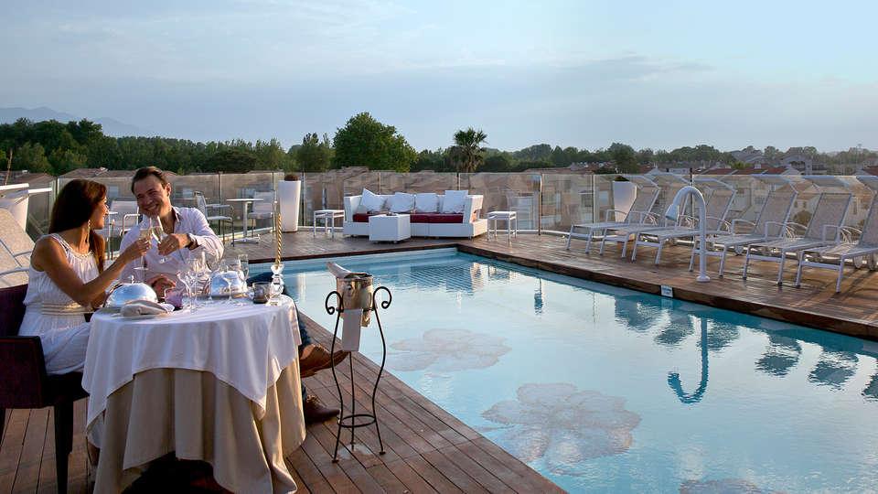 Relais et Châteaux Thalasso & Spa Ile de la Lagune - edit_pool3.jpg