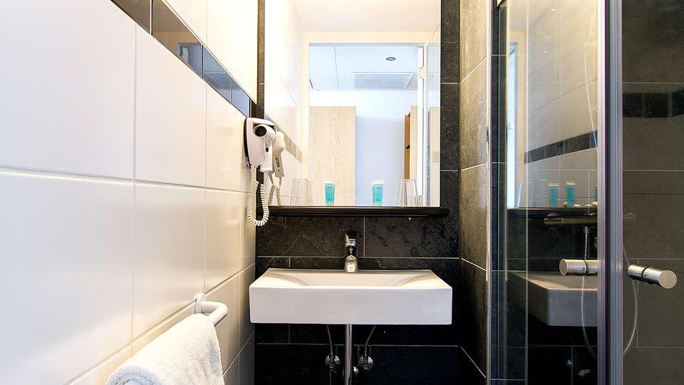 Bastion Hotel Amsterdam Zuidwest - edit_Bathroom.jpg