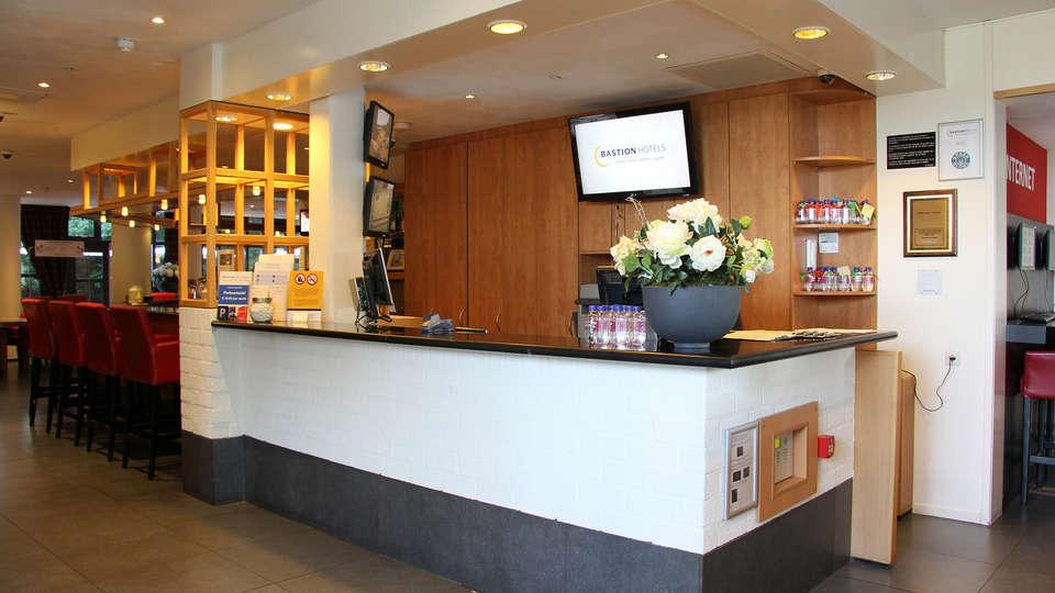 Bastion Hotel Amsterdam Zuidwest - Edit_Reception.jpg