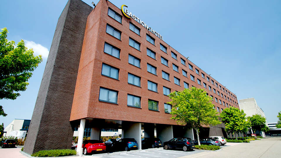 Bastion Hotel Amsterdam Airport - Edit_Front.jpg
