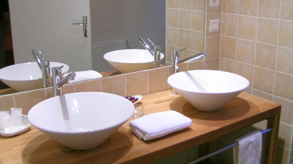Le Relais de Fusiès - edit_bathroom34.jpg