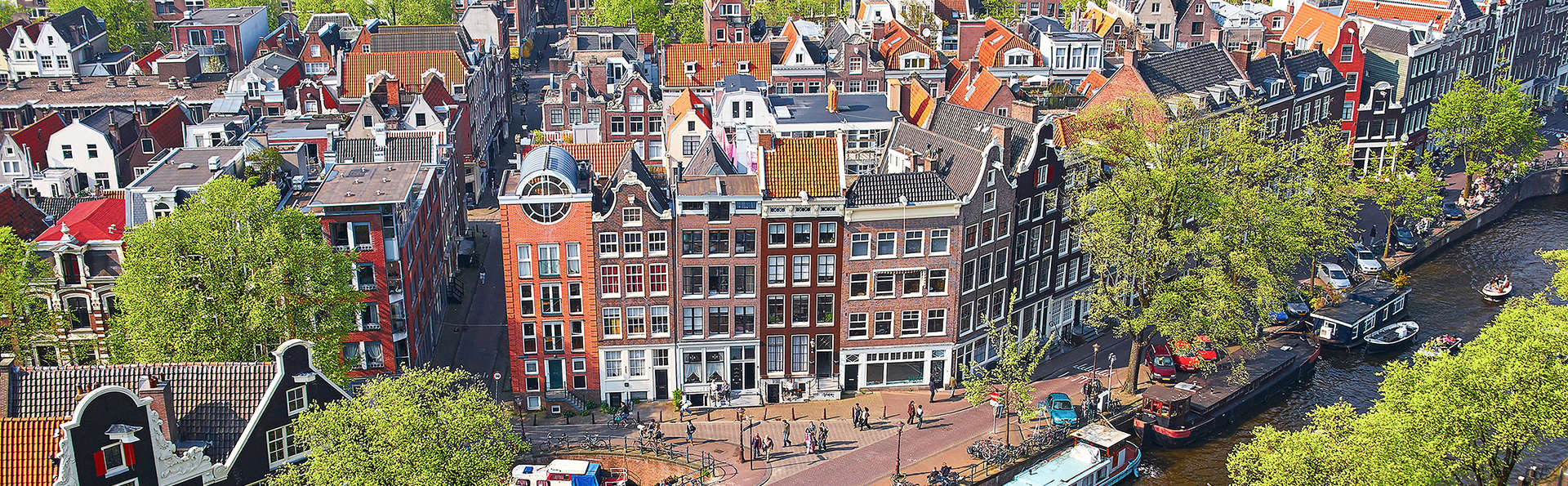 Bastion Hotel Amsterdam Airport - Edit_Amsterdamview.jpg