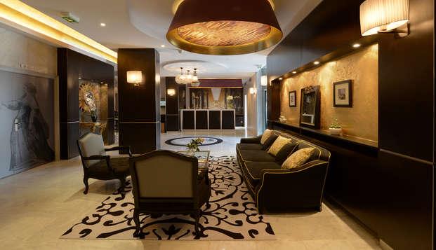 Hotel le Versailles - hall