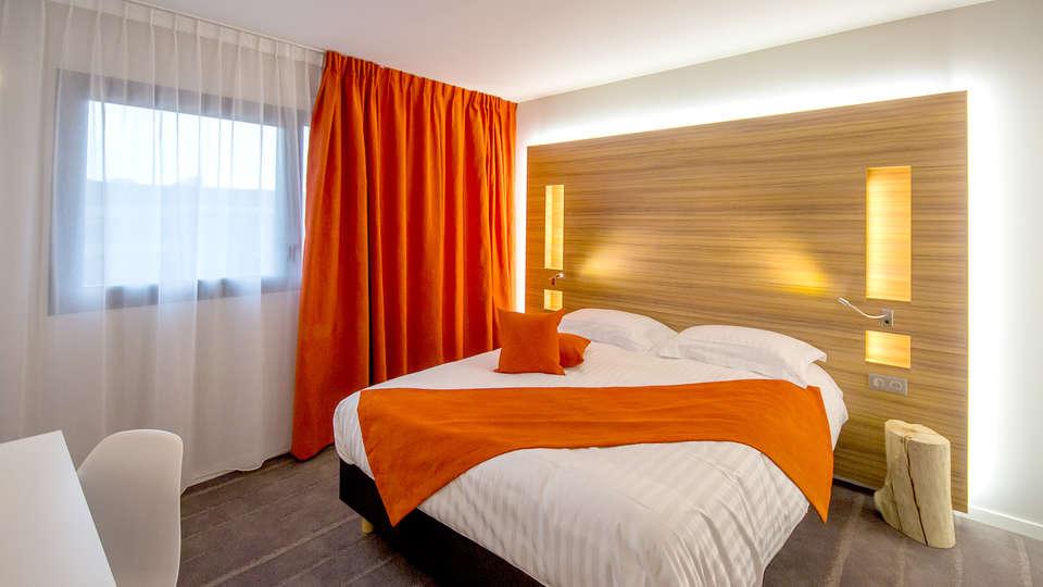 week end romantique pl rin avec 1 coffret de chocolats. Black Bedroom Furniture Sets. Home Design Ideas