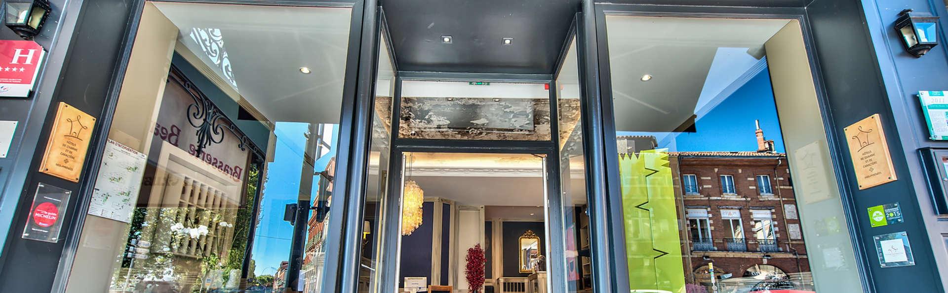 Hôtel des Beaux Arts - Edit_front.jpg