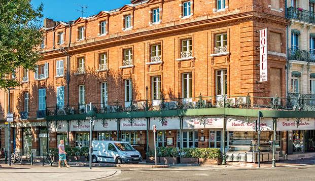Hotel des Beaux Arts - Front