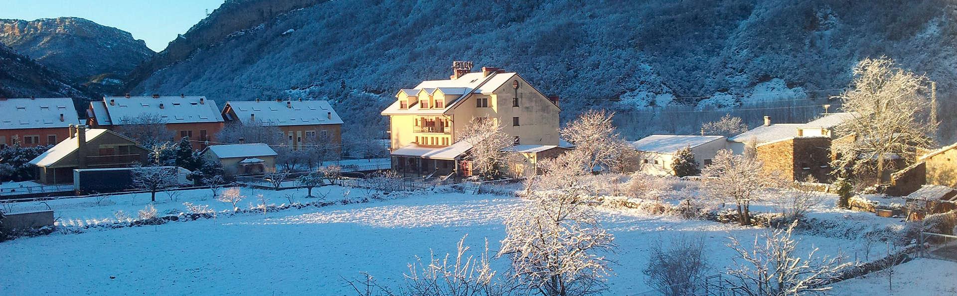 Hotel Cotiella - EDIT_view.jpg