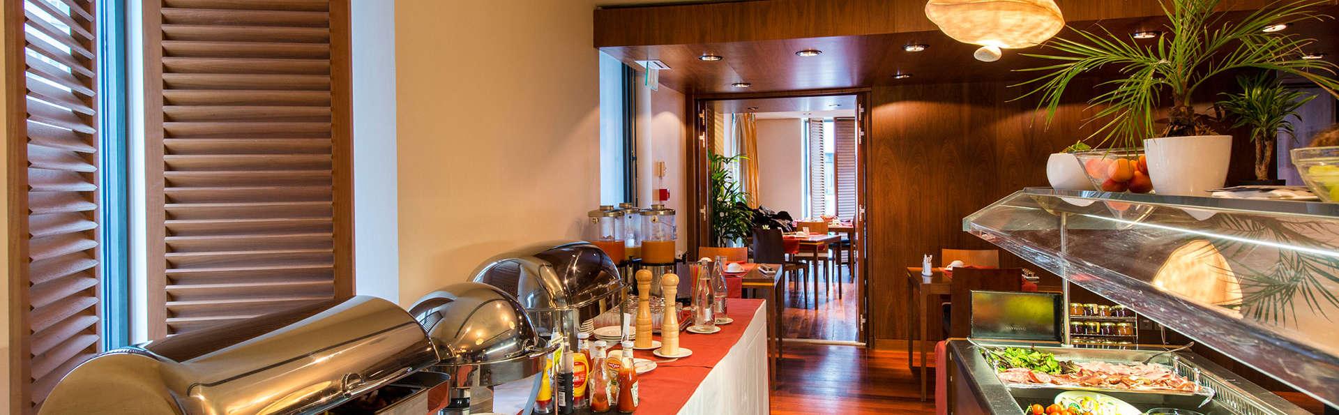 Hôtel Beau Rivage - EDIT_buffet.jpg