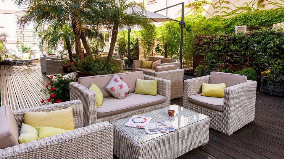 Hôtel Beau Rivage - EDIT_terrace.jpg