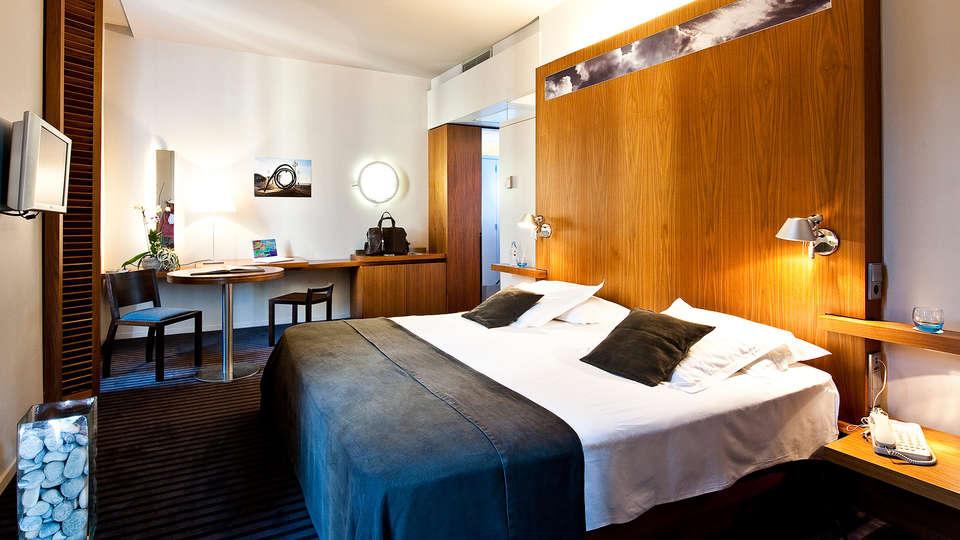 Hôtel Beau Rivage - EDIT_room5.jpg