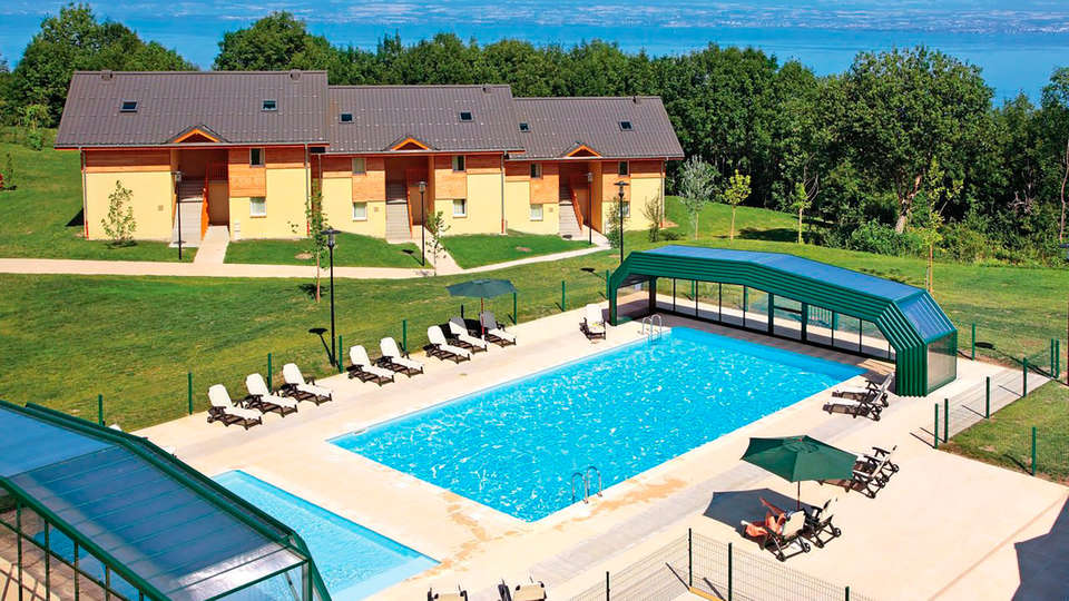 Park and Suites Village Evian - Lugrin - EDIT_pool.jpg