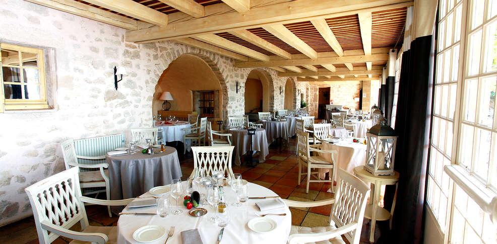 Week end romantique salon de provence avec 1 coffret de for Call girl salon de provence