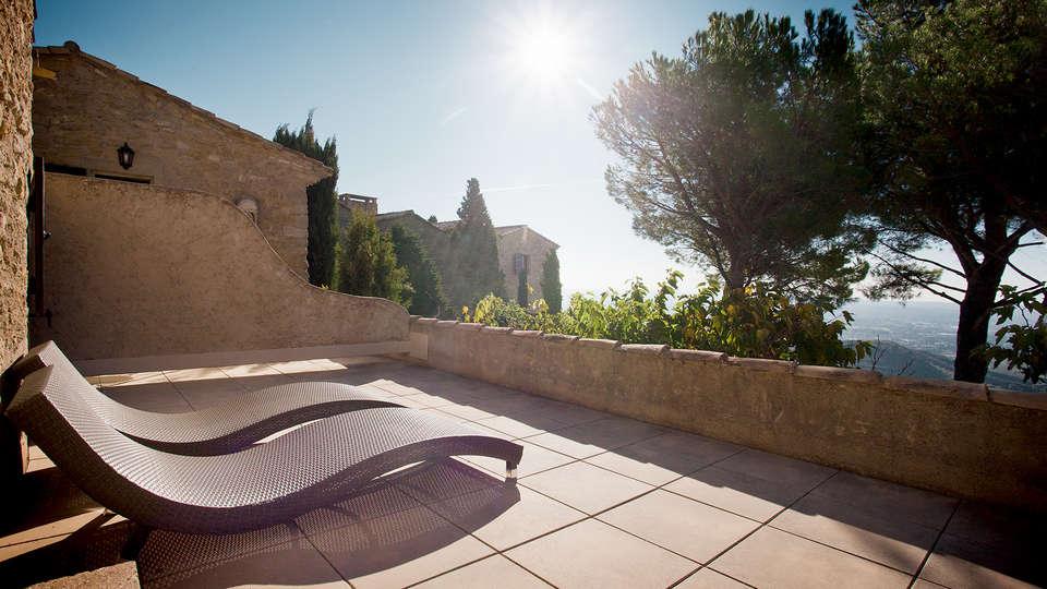 Week end salon de provence avec bouteille de champagne for Abbaye de sainte croix salon