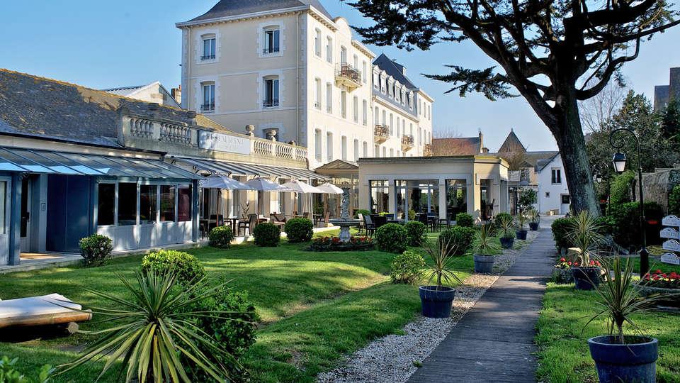 Hotel The Originals Grand Hôtel de Courtoisville - Piscine & Spa (ex Relais du Silence) - EDIT_front.jpg