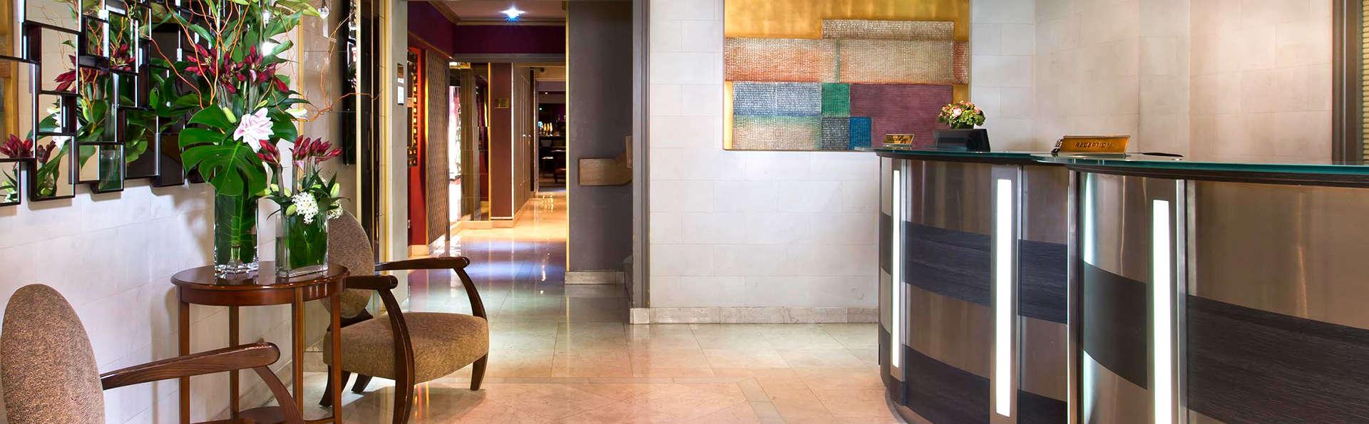 Hôtel Le Pera - Edit_Reception.jpg