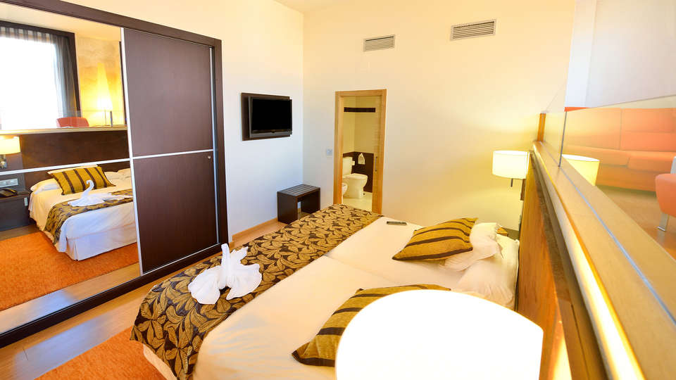 Hotel Norat Marina & Spa 4* Superior - EDIT_room4.jpg