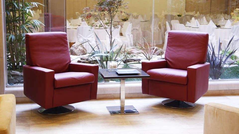 Hotel Norat Marina & Spa 4* Superior - EDIT_salon.jpg
