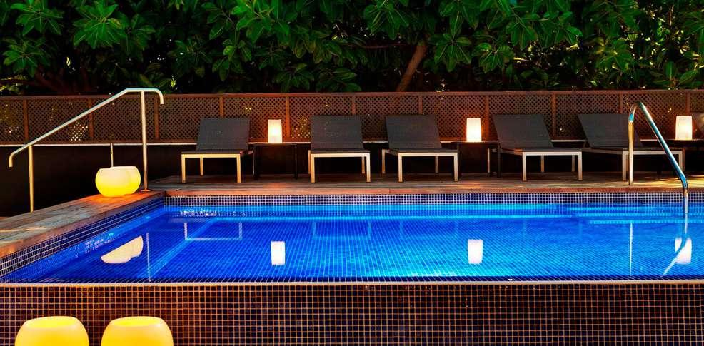 week end nouvel an barcelone avec 1 d ner du r veillon du jour de l 39 an partir de 0. Black Bedroom Furniture Sets. Home Design Ideas