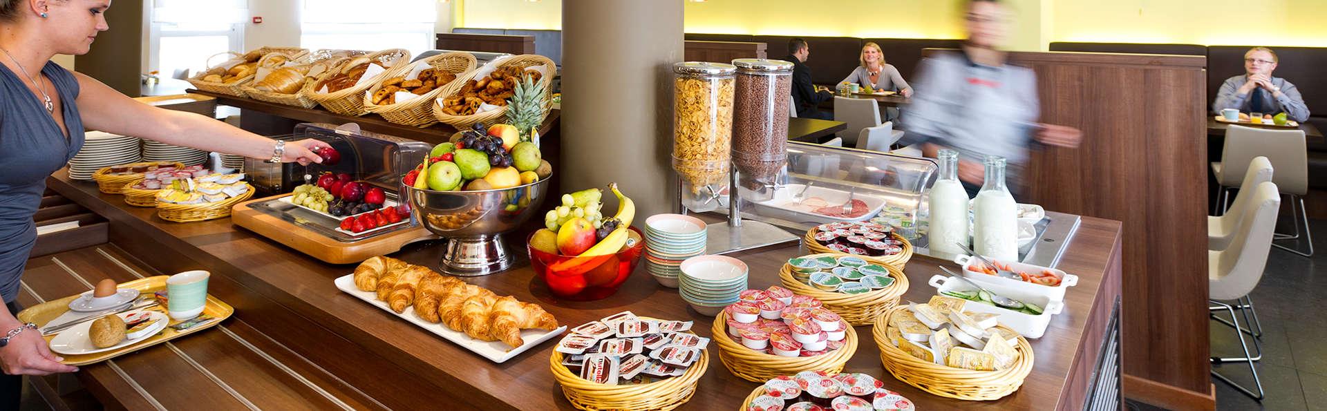 Ibis Hotel Sint-Niklaas Centrum - Edit_Breakfast2.jpg