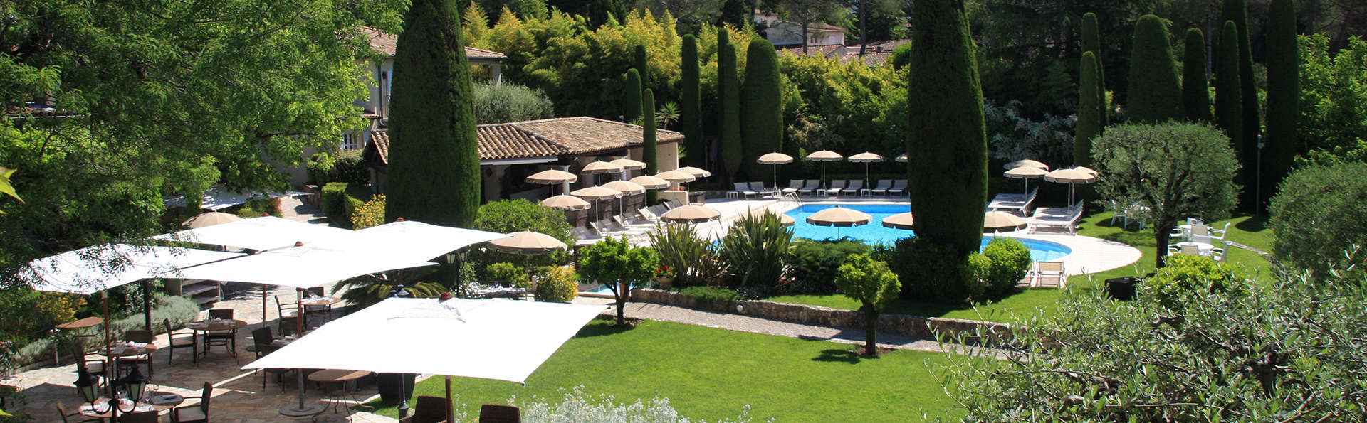 Hôtel de Mougins  - EDIT_gardenpool.jpg