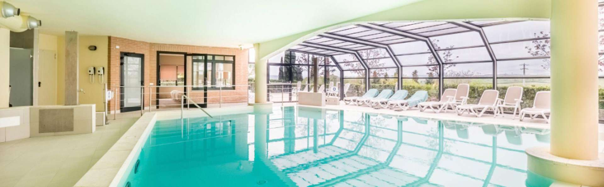 Hotel Montaperti - edit_pool3.jpg