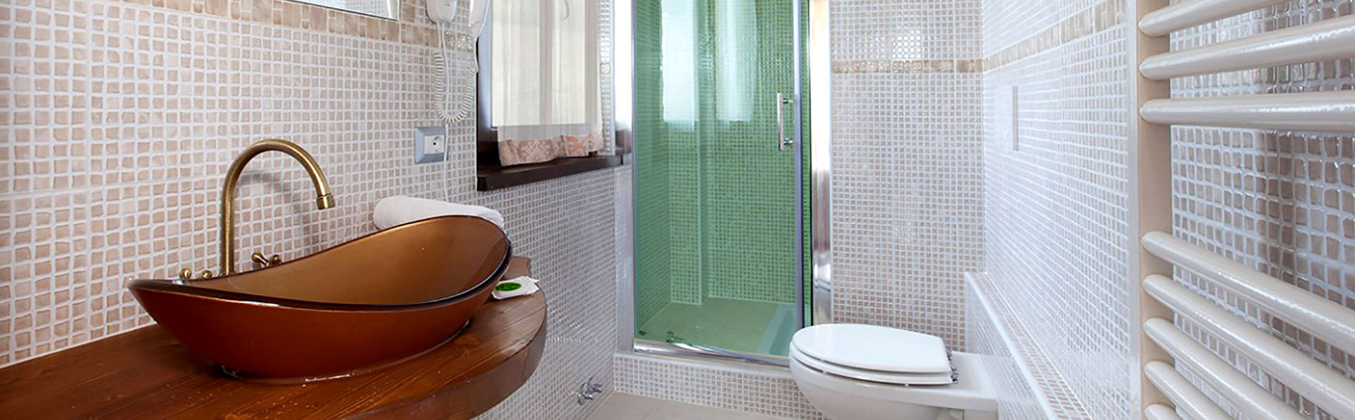 Umbria Resort & SPA - Edit_Bathroom.jpg
